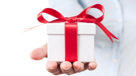 holiday-gift-giving-istock